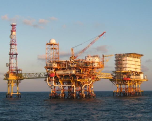 ¡El petróleo sigue bajando!